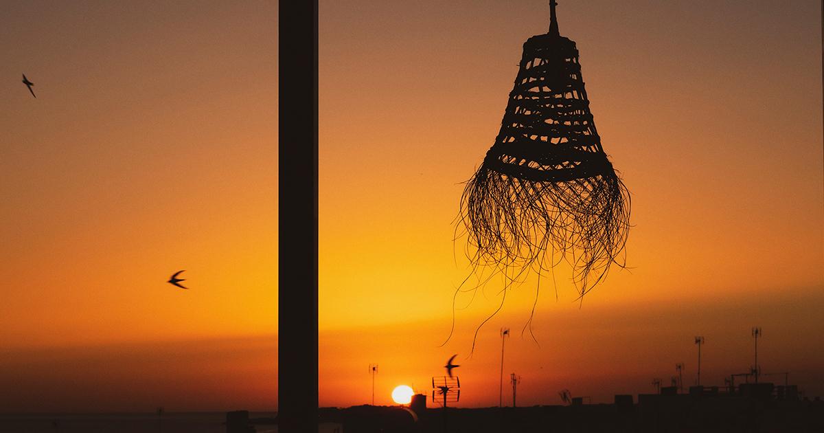 Cata maridaje durante la puesta de sol en Bocarte KM0